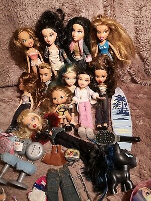 Bratz Dolls Bundle   plus accessories