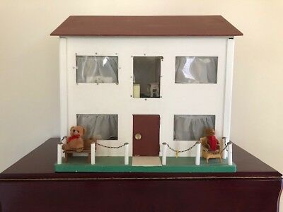 Dolls House c.1960s Wooden with furniture