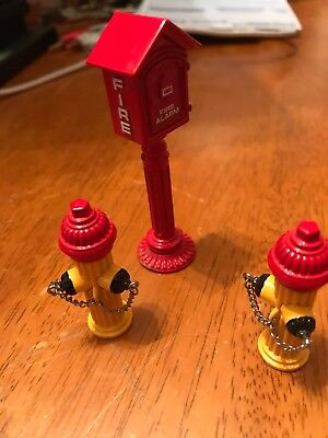 1999 Hallmark Kiddie Car Classics Call Box And Fire Hydrant
