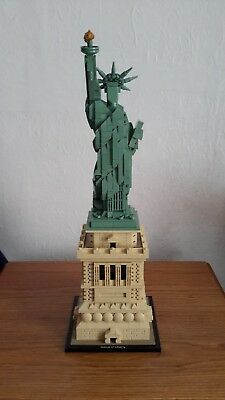 Lego 21042  Statue Of Liberty,   Architecture Set, Used In Excellent Condition.