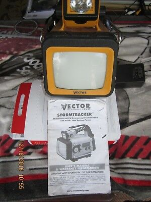 Vector Stormtracker ToughBrite Lantern VEC135 FM/AM Weather Radio TV LED