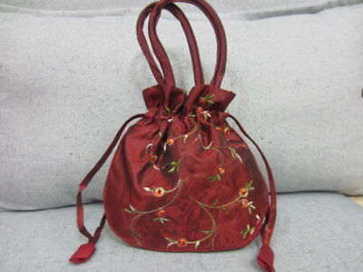 NEW Chinese bag Tradition Embroidered Flower Silk Satin Purse Jewelry Bag Gift 3