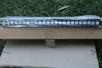 AMP 336526-1 Patch Panel 24P Flush Mount Unloaded Krone Key Stone