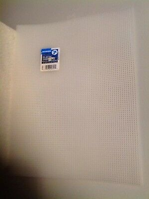 PLASTIC MESH CANVAS 7 COUNT STITCH FABRIC CRAFTS  10.5 x 13.5 inches