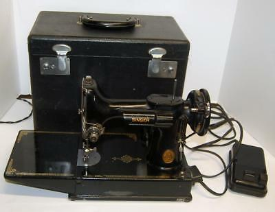 1948 Singer Featherweight 221 Sewing Machine and Case AH570753 SEE VIDEO