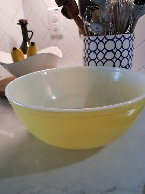 Large Antique Vintage Retro Bright Yellow and White Pyrex Mixing Bowl