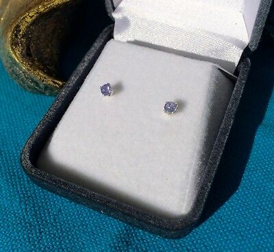 Amazing natural Tanzanite 3mm round facet sterling silver claw stud earrings 🦄