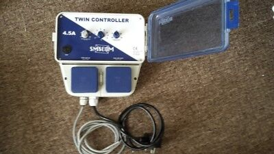 SMS 4.5 Amp Hydroponic Twin Fan Speed Controller In Good Condition
