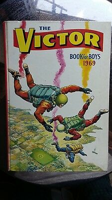 THE VICTOR BOOK FOR BOYS 1969 - Good Condition - Vintage - Annual