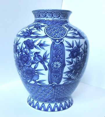VINTAGE JAPANESE PORCELAIN VASE. ENAMEL PAINTED SIGNED 80s blue white 9in big