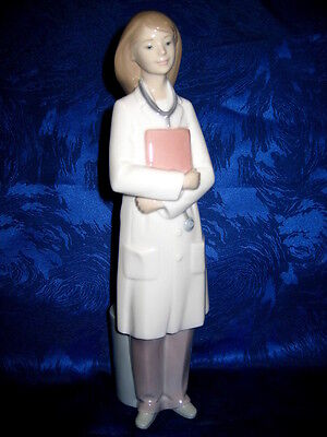 Doctor Female Girl Porcelain Statue Nao By Lladro  #1684