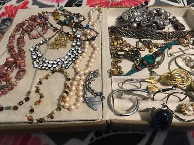 very nice lot of vintage jewelry all n great wearable conditionnice pieces