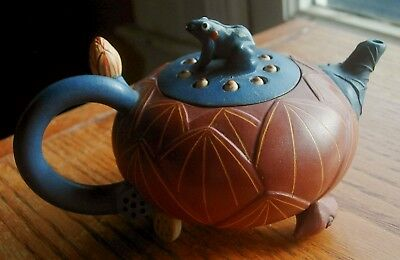 Lotus and frog YIXING clay terracotta teapot NEW IN BOX