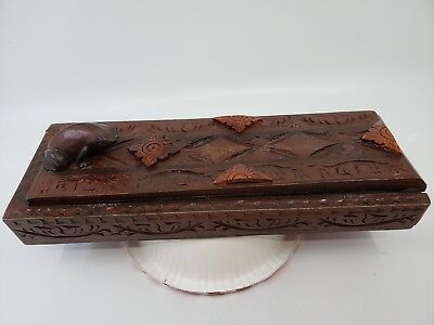 Vintage Chinese Box/carvings Lizard/4 sets Chopsticks  Inside Good condition.