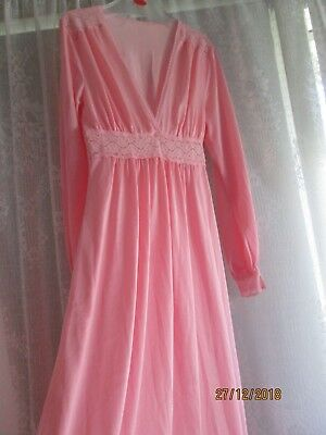 """LUCAS""""MADE in AUSTRALIA. LONG,SILKY NIGHTIE-Size 12.VGC.L/ SLVE.EMPIRE Line.LACE"""