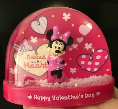 Disney Minnie Mouse Snow Water Globe Dotted with a Heart Happy Valentine 's Day*