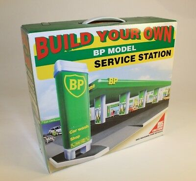 BP Build Your Own SERVICE STATION 1995 Edition NIB never opened, factory sealed