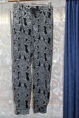 Black and white paisley print maternity pants by B2bub, size 18 new with tags.