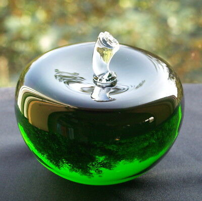 Green Glass Crystal 3D Apple Paperweight Ornament