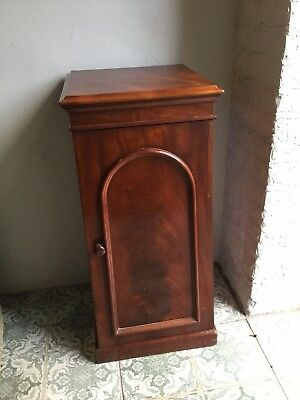 Antique Mahogany Pot/ Bedside Cabinet