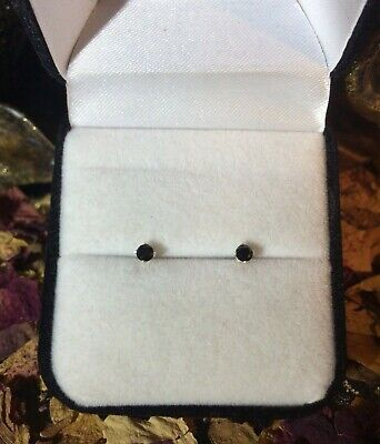 Lovely natural Black Spinel 4mm faceted sterling silver claw stud earrings ⚫️