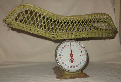 Antique Baby Infant Scale w/ wicker basket 25lb. American Family Scale Co. Green