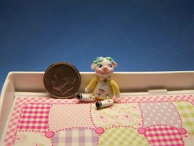 1:12 Scale Dollhouse, Little Lamb Girl Doll, About 1 1/4 Inch Tall