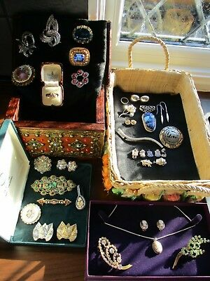 Old Antique & Vintage Brooches 15 Ct Emerald Garnet Gypsy Ring Job Lot 925 Silv.