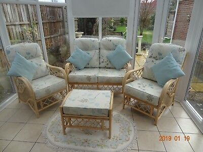Wicker Conservatory Furniture Includes 2 Seater, 2 X Single Chairs, & Stool,