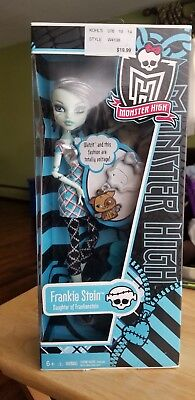NEW Monster High Frankie Stein Doll Classrooms with keychain.