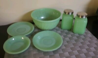 6 Vintage Fire King Jadeite Pieces And More
