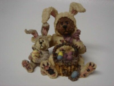 Marlowe with Kinsey … Egg Detectives - Boyds Bears & Friends