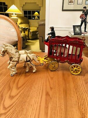 Vintage Kenton Cast Iron Overland Circus Wagon With Bear , Driver And Both Horse
