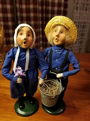 Byers Choice Amish Boy And Girl