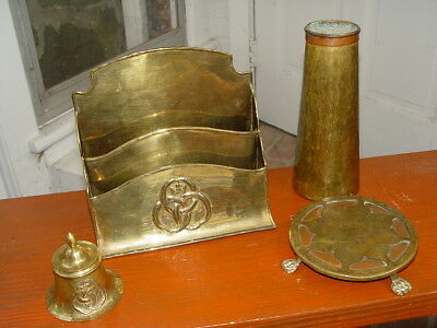CANADA - Paul Beau & Co - VINTAGE ARTS & CRAFTS BRASS Inkwell with lid, marked