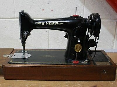 ANTIQUE SINGER 201K Black and Gold Sewing Machine (Knee Lever) w/ Case  - 250