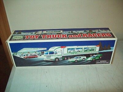 1997 Hess toy Truck & RACERS Brand New factory perfect with inserts Tested