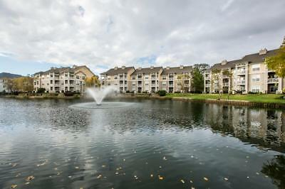 Lake Norman North Carolina 2/2 Condominium with 30' Dock Slip. Lake Front. NICE!
