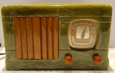 "GREEN Motorola #52 ""Vertical Grill"" Catalin Bakelite 1939 vacuum tube radio"