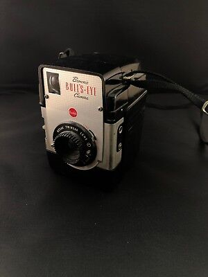 VINTAGE Kodak Brownie Bulls Eye Camera (not tested)