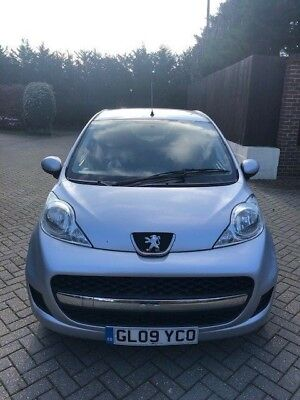 2009 Peugeot 107 1.0 litre automatic, silver, 54000 miles, annual road tax £20
