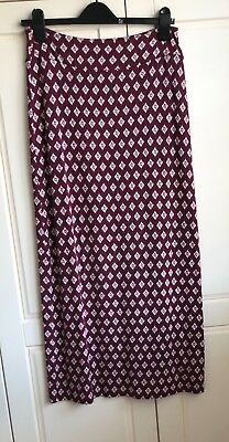 White Stuff longer length skirt with good degree of stretch size 10 in exc condn