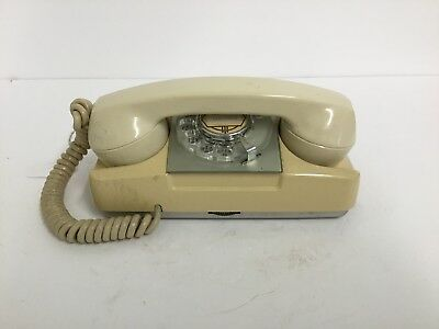 Automatic Electric beige Starlite telephone (113)