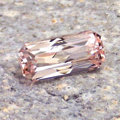 MORGANITE-NIGERIA 2.47Ct FLAWLESS-BEAUTIFUL NATURAL PURE PINK COLOR-FOR JEWELRY!
