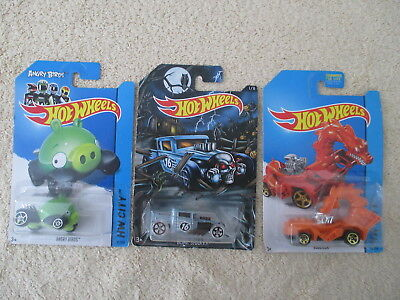HOT WHEELS 3 NOC Angry Birds Minion Pig & Rodzilla(HW City)Bone Shaker Halloween