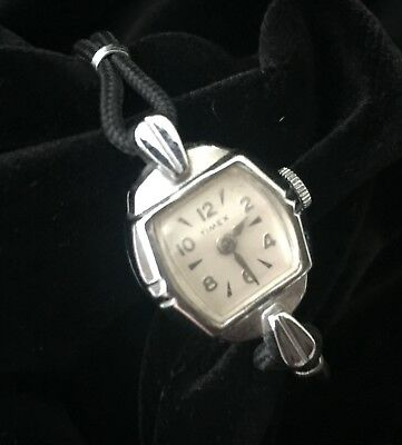 ANTIQUE / Vintage Silver Tone TIMEX Lady's Watch - Nice and RUNS!