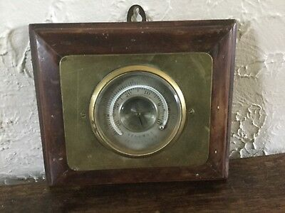 Antique Reaumur Fahrenheit Brass Oak Cased Wall Weather Barometer