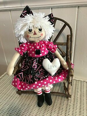 PRiMiTiVe FoLk ArT RaGGeDy Ann DoLL /  Valentine Annie With White LOVE Heart