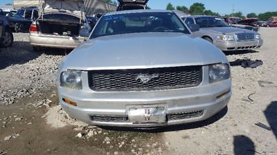 Fuse Box Engine Fits 05-06 MUSTANG 1190749