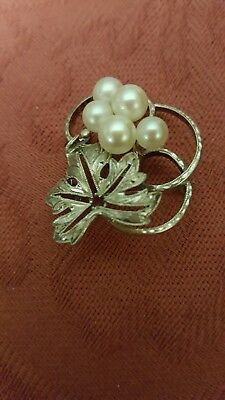 """Vintage perfect Signed Small 1""""×1"""" Mikimoto Akoya pearl in Sterling silver Pin."""